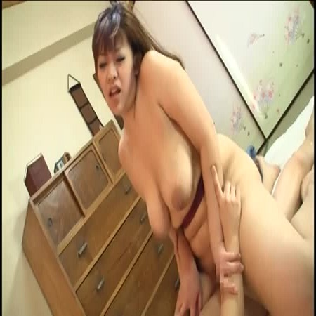 霧島冴子ヨガ婦人